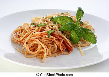 spaghetti with organic home made tomato sauce