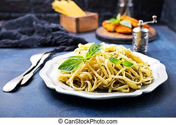 spaghetty with pesto sauce, portion of spaghetty