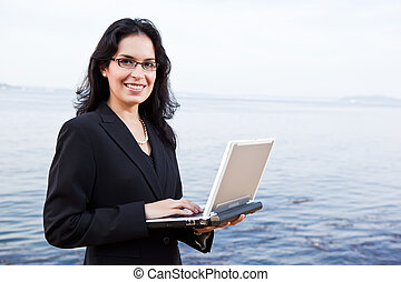 spanisch, geschäftsfrau, mit, laptop