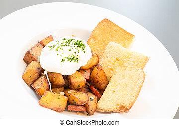 hash potato - Spanish hash potato with cream