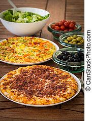 Spanish pizza with Iberian ham - Spanish pizza with Iberian...