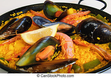 Spanish rice: paella - Traditional spanish rice: paella and ...