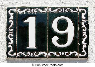 spanish street number 19