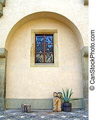 Spanish style courtyard decoration