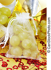 spanish twelve grapes of luck