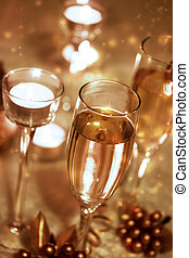 Sparkling Champagne Glasses (celebration)