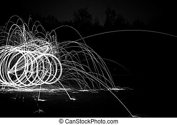 Sparks in black and white - Sparks by night in black and...
