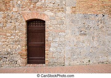 spazio copia, porta marrone, toscano, medievale, parete