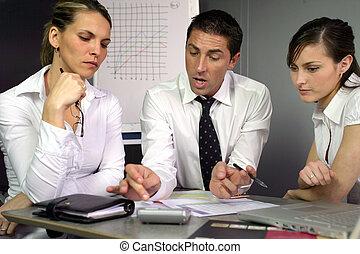 spełnienie, dyskutując, businesspeople