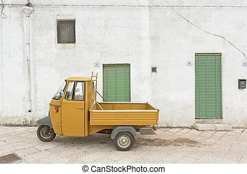 specchia, apulia, -, ein, altes , historisch, drei wheeler,...