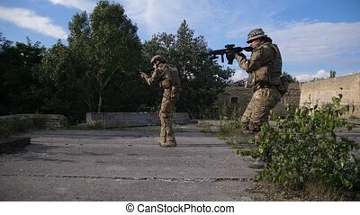 Special forces rangers storming enemy position - Special...