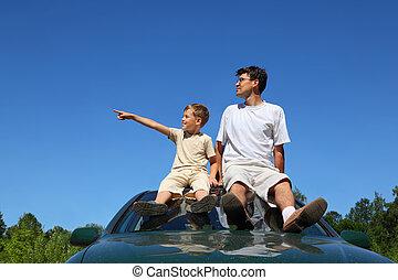 specifies, day-time, mirada, sentarse, coche, padre, a un...