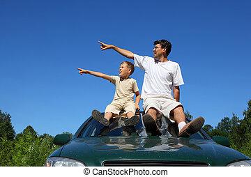 specifies, everybody, day-time, hledět, sedět, vůz, otec,...