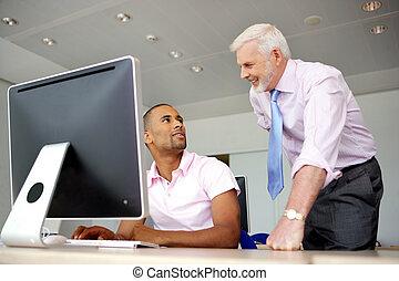 specjalista, jego, komputer, szef