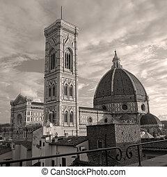 spectacular view of florentine Cattedrale di Santa Maria del Fio
