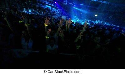spectateurs, concert, exposition, escrime, armin, seulement, stand, derrière, salle