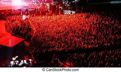 spectateurs, concert, lumière, scène, nombres, salle, rouges