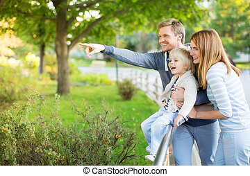 Spectator - Family with child in zoo