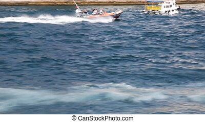 speedboat 2 - speedboat, shoot Canon 5D Mark II