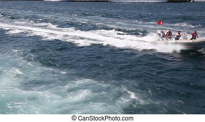 speedboat 3 - speedboat, shoot Canon 5D Mark II