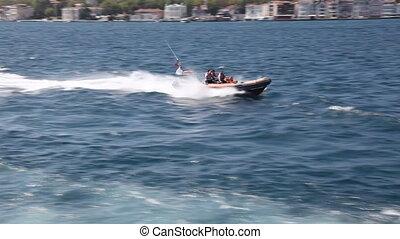 speedboat 6 - speedboat, shoot Canon 5D Mark II