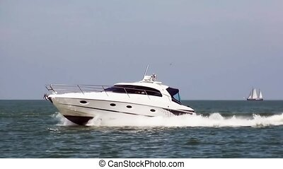 Speedboat full speed on IJsselmeer. - Speedboat on...