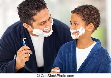 speels, vader en zoon, het scheren, samen