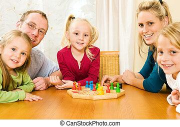 spelend, gezin, boardgame