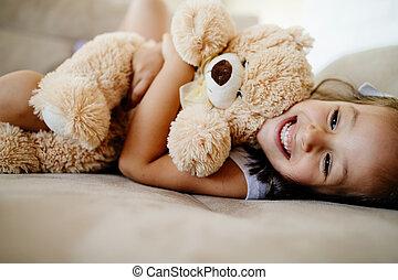 spelend, meisje, beer, schattig, weinig; niet zo(veel), ...