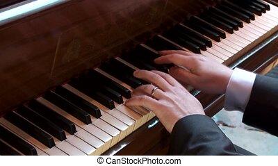 speler klavier