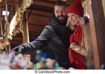 spenderande, par, jul, marknaden, tid