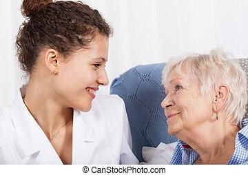spenderande, sköta, dam, äldre, tid