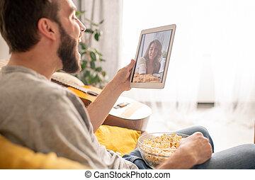 Spending leisure with girlfriend online