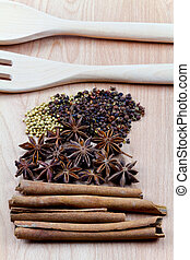 spezie, con, utensile, su, legno, fondo