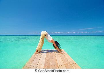 spiaggia, allenamento, yoga, asiatico