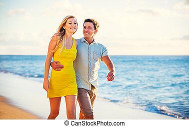 spiaggia, camminare, tramonto, coppia