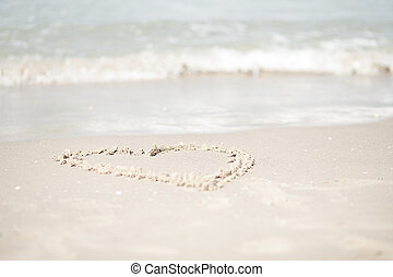 spiaggia, coppia camminando, bello, indietro, sguardo