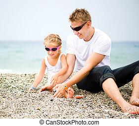 spiaggia, padre, suo, figlia