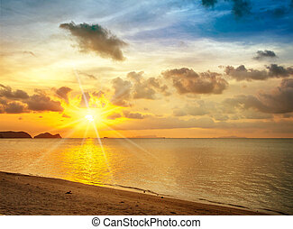 spiaggia tramonto