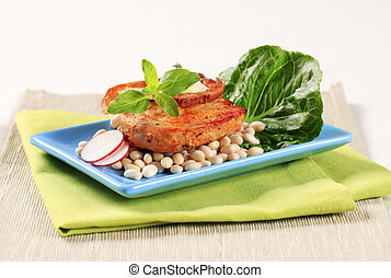 Spicy pork with white beans