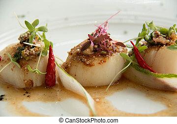 Spicy scallop serve in Thai style (Lab scallop)