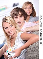 spiele, teenager, drei, video, porträt, spielende