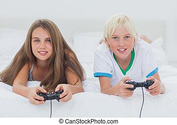 spielende , video, porträt, geschwister, spiele