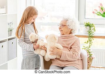 spielende , wenig, großmutter, m�dchen