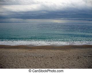 spilia, tengerpart, képben látható, egy, cloudy nap