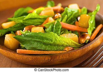 Spinach, Mango and Carrot Salad