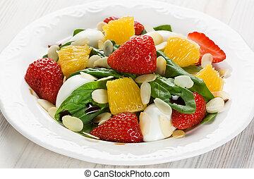 Spinach strawberry orange salad
