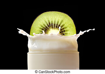 Splashing milk with kiwi