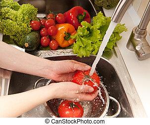 splashing, vegatables