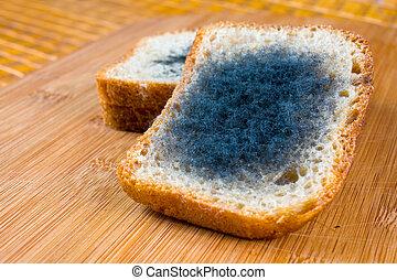 spleśniały, bread.